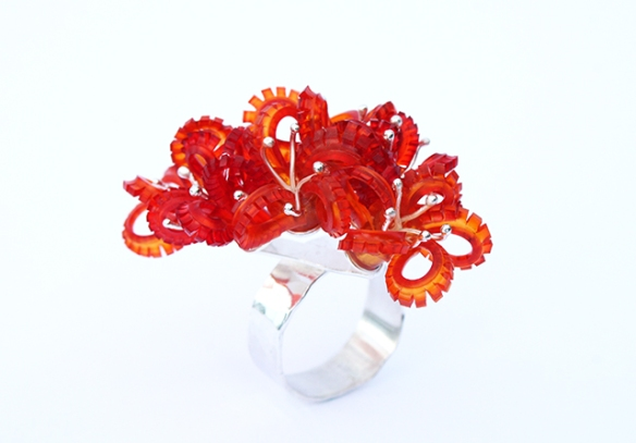 Safira Blom Underwater world clustered coral ring orange