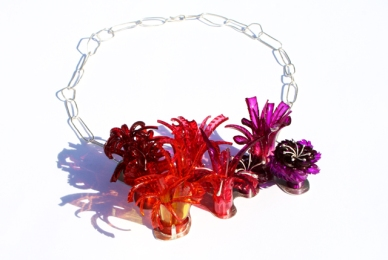 Safira Blom, Underwater World: Neckpiece Redpurple, 2013 925 silver, PVC: hand cut and dyed, fabricated